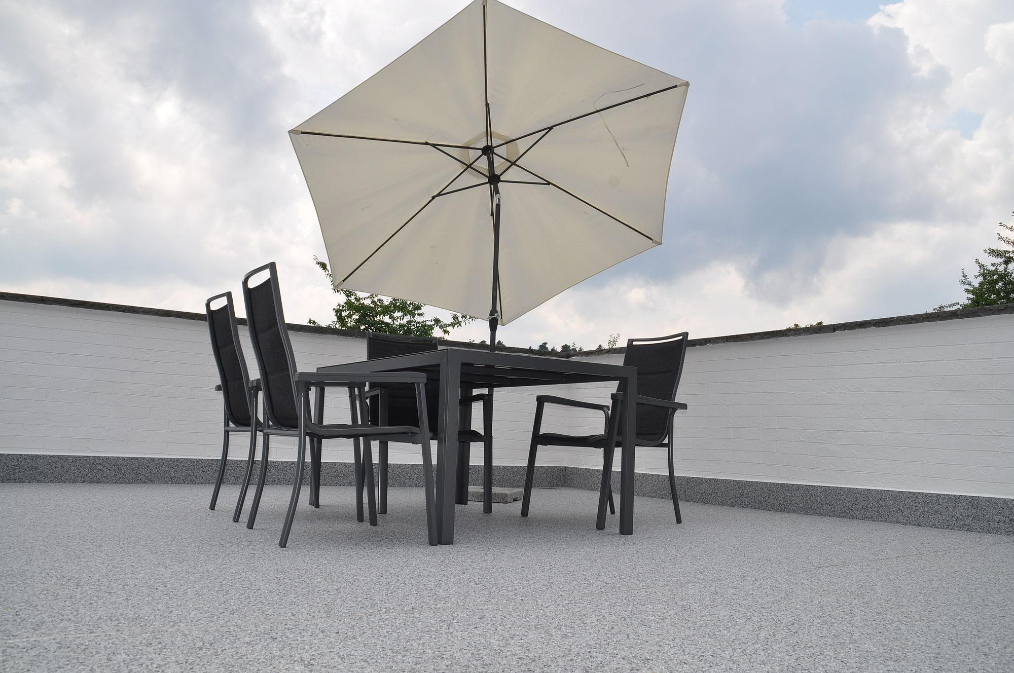 Moderne Balkone | Moderne Terrassen Und Balkone Fugenlose Steinteppiche