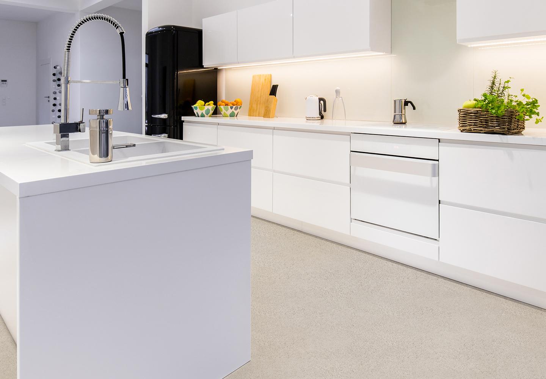 Versiegelung für Bad und Küche - Fugenlose Steinteppiche